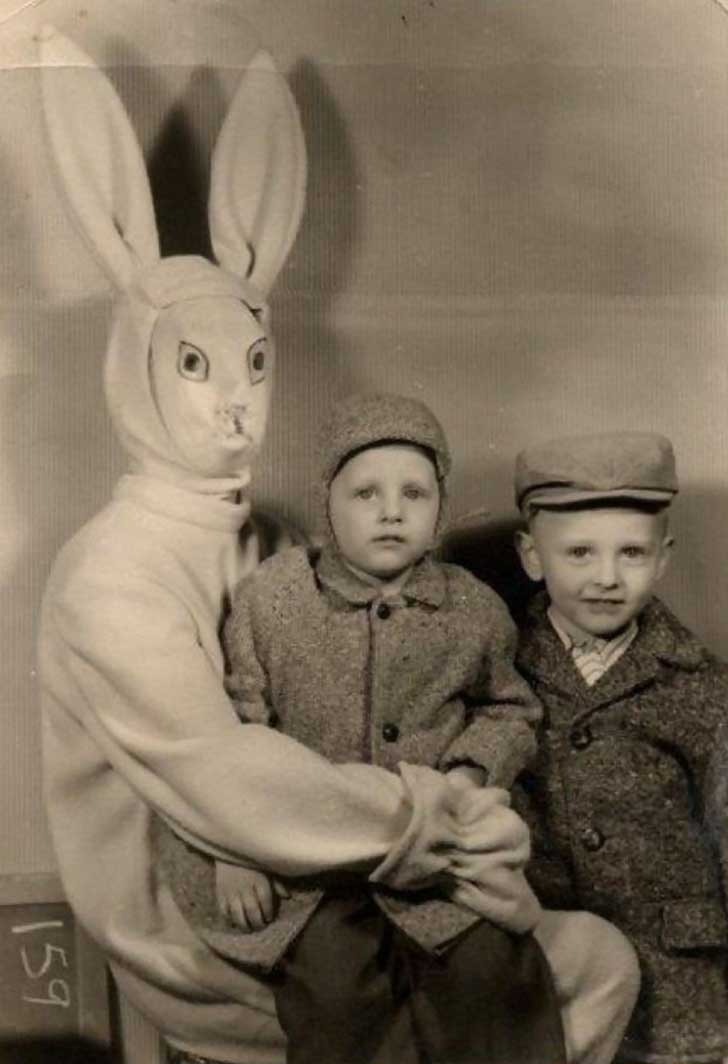 creepy-easter-bunny-kids-952__605